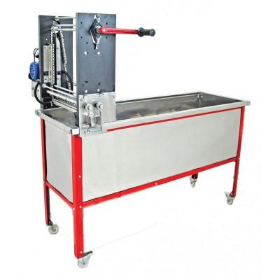 Masina pentru descapacit semiautomata cu melc Lyson